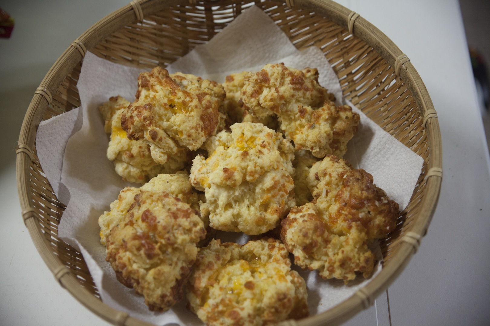 Recipe for the BEST garlic cheddar biscuits! Just like red lobster. My husband and I can eat a whole batch in one night!