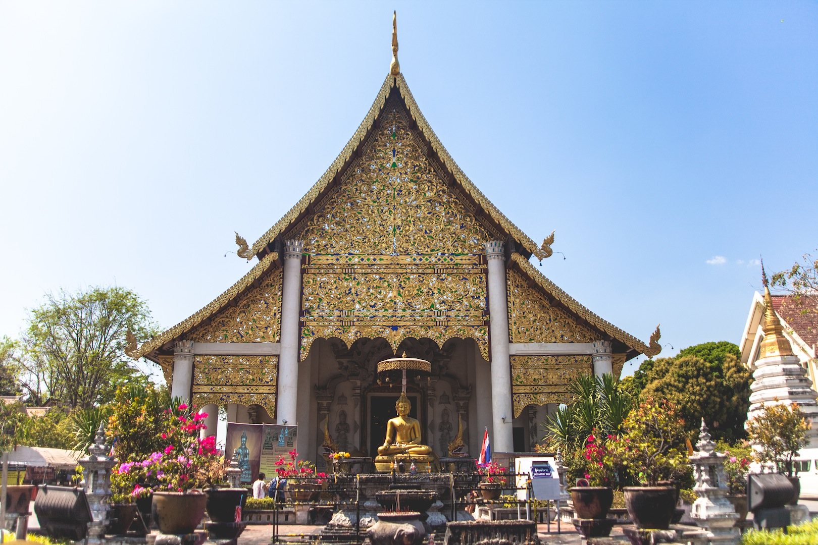 Wat Chedi Luang, Chiang Mai - Living in Another Language