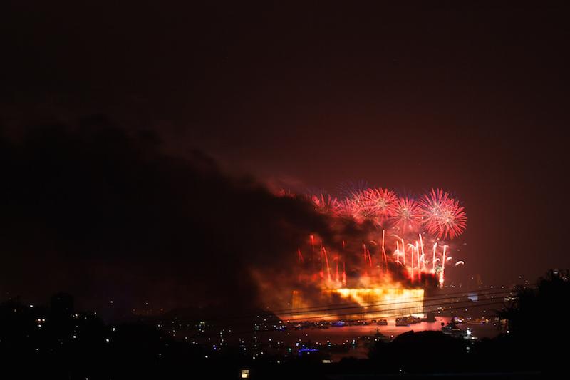 Sydney Harbor Fireworks-21