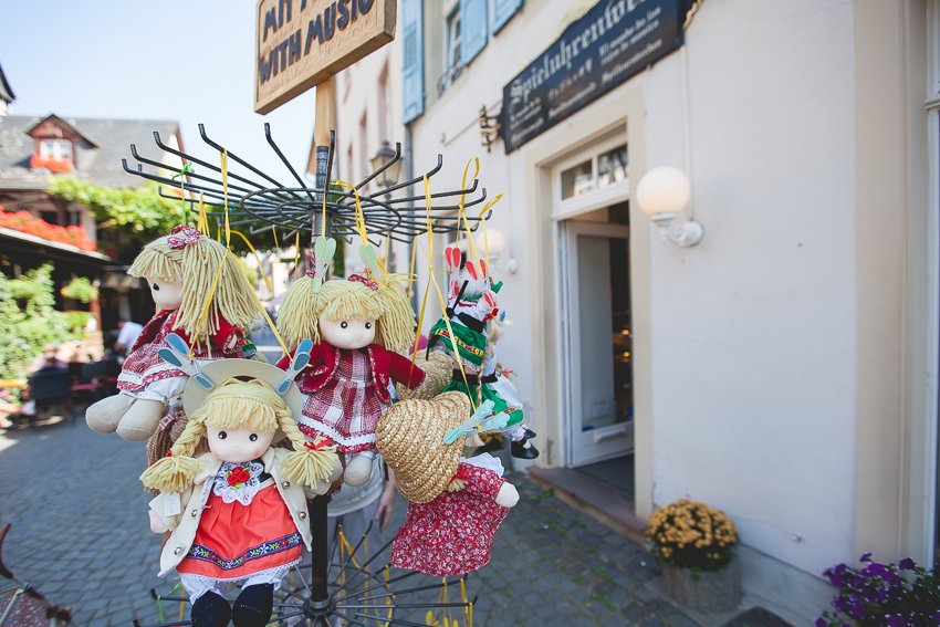 German musical dolls